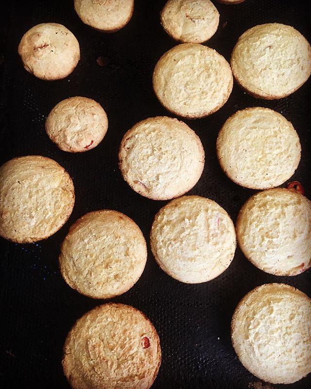 @riverdogfarm red jalapeño cornbread today! Come get one🌽🍞 #glutenfree #gumfree #greaseboxoakland