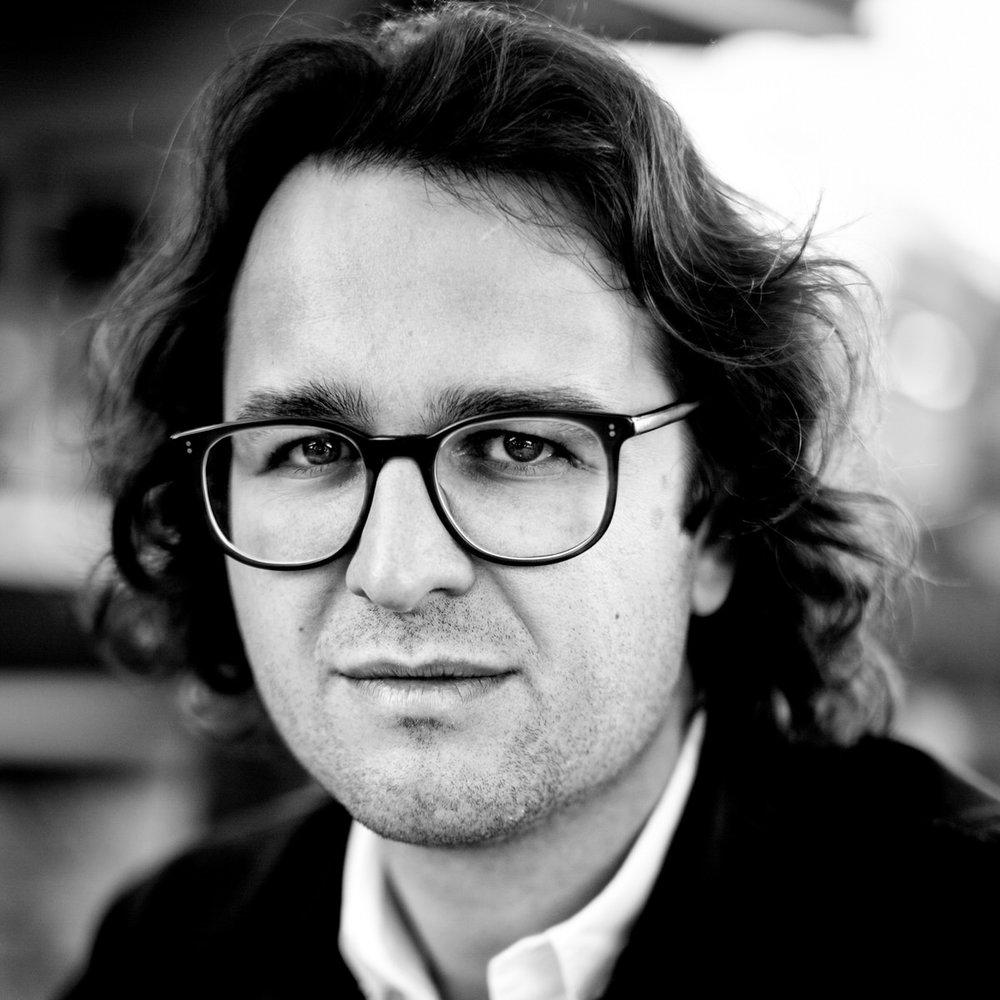 Alan Schaller Portrait-3.jpg