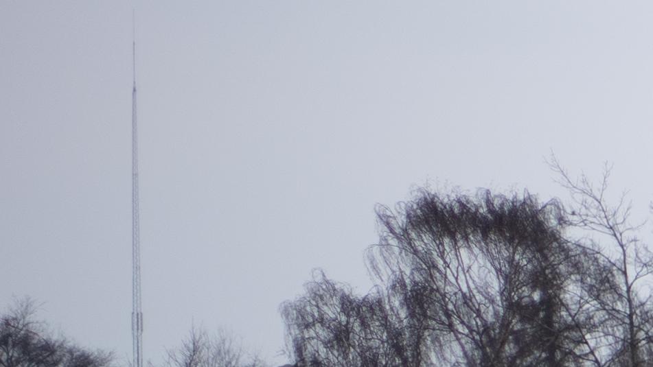 f/2.0 Upper left corner
