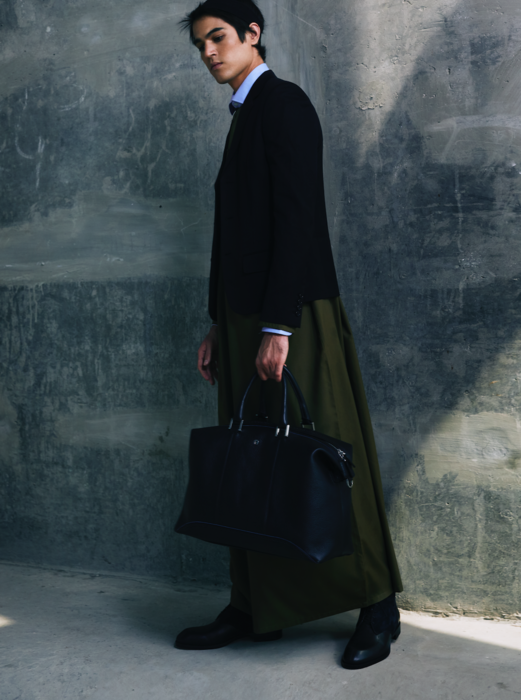 Keanoush de rosa_stylist_vogue men arabia 7.png
