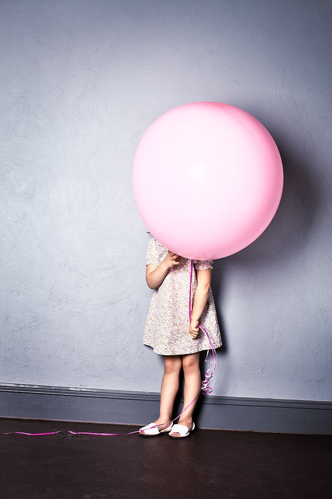 kids-photographer-photography-fashion-london-ruth-rose-pink-balloon-06.jpg