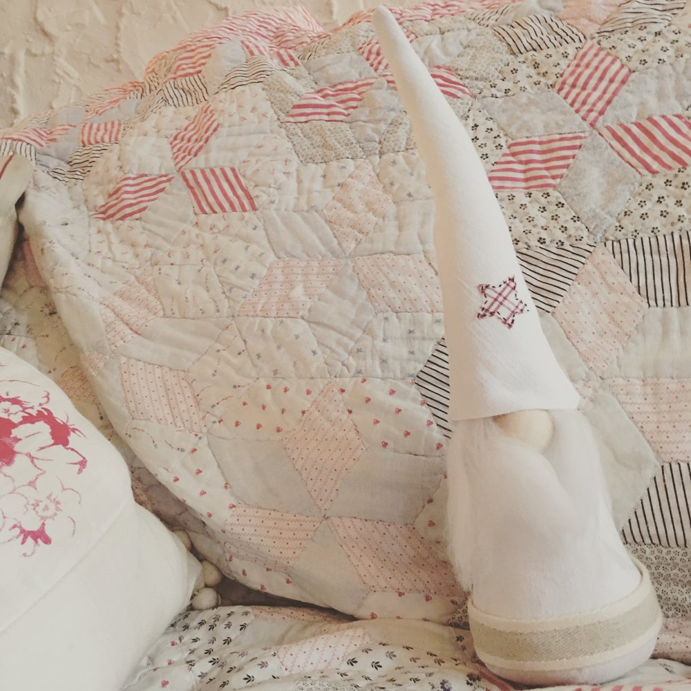 Little scandi-style gnomes, handmade from antique linen.  Small army coming to the brocante.