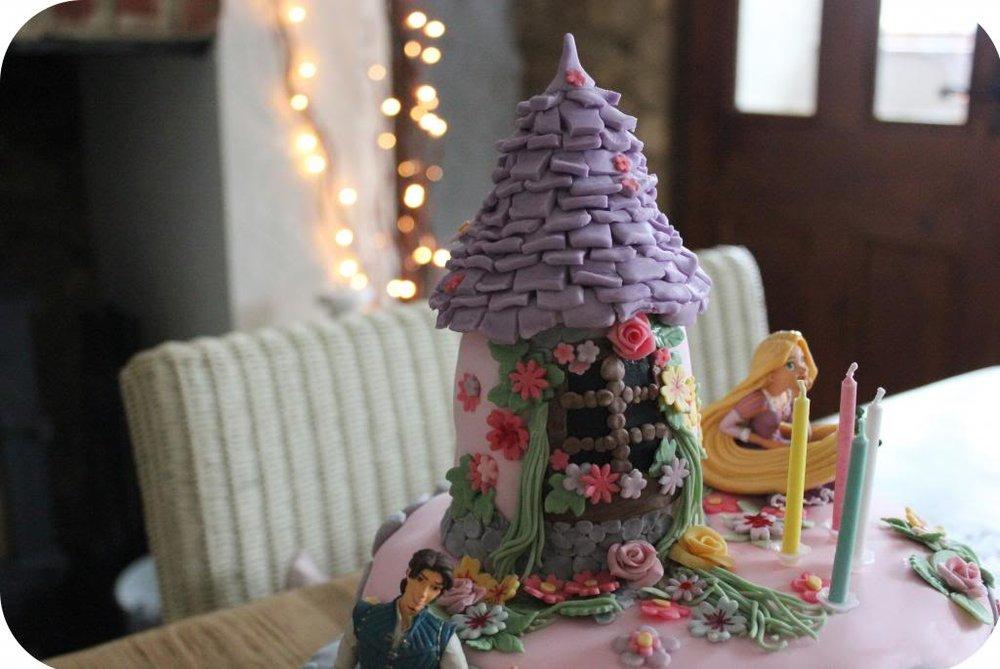 rapunzel cake 2.jpg