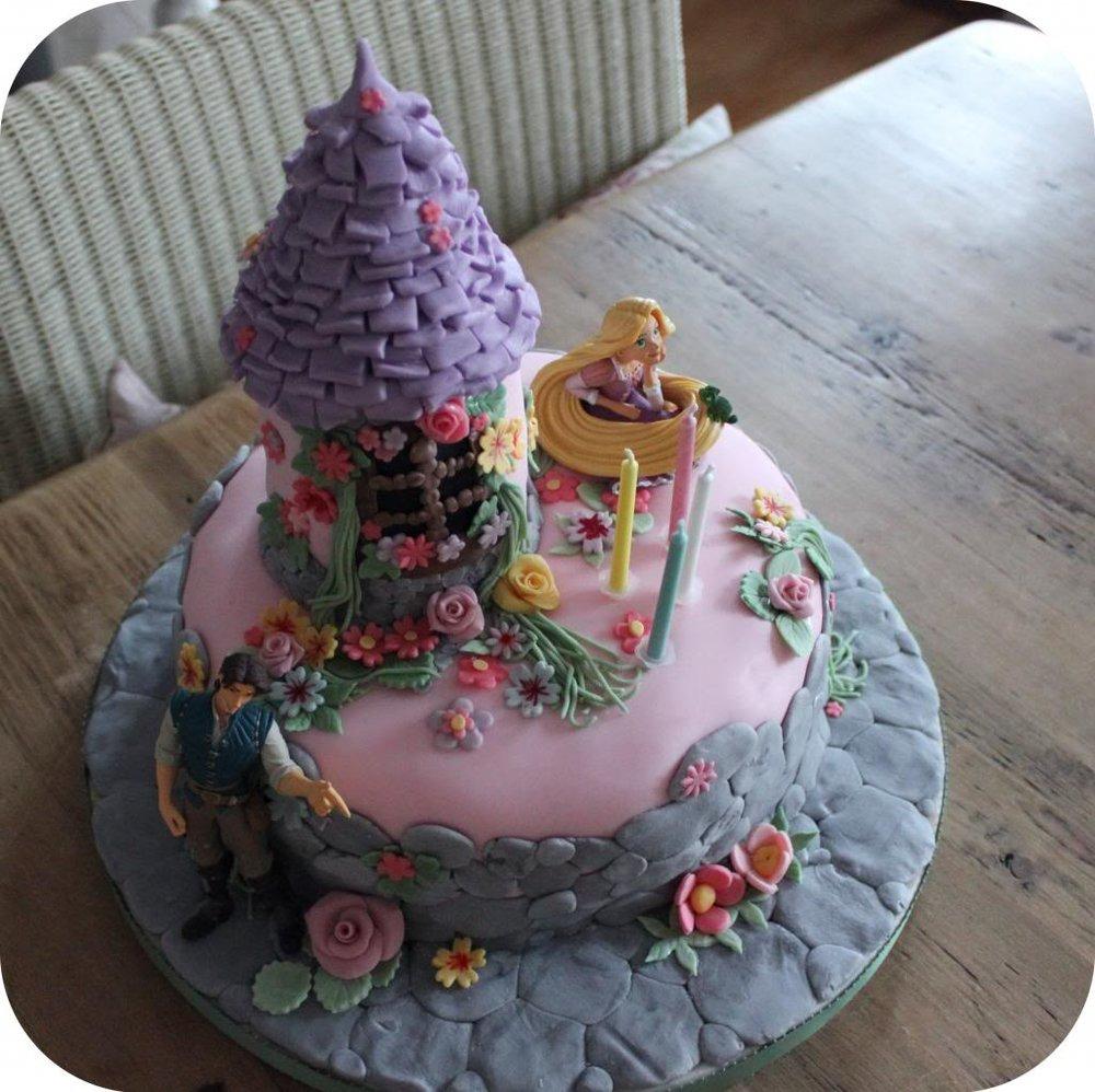 rapunzel cake 3.jpg