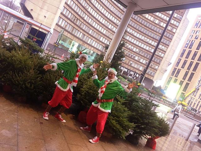 Elves spotted dancing down the Hagley Road early this morning. Candy-cane related anti-social behaviour reportedly on the rise . . . . #elves #elfie #elfallnight #wetreekings #edgbaston #birmingham #ilikecandy #christmasdelivered #ukgrown #fiveways