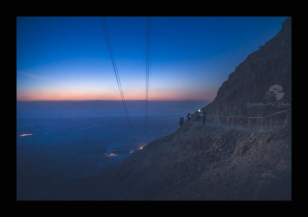 remicito photo, image du jour, photo du jour, photo of the day, voyage Israël, trip Israel, Masada sunrise, climbing at sunrise, photo adventure, photo sunset, lever de soleil Israel, Idée cadeau, belle photo Israël, Photo Masada Israël
