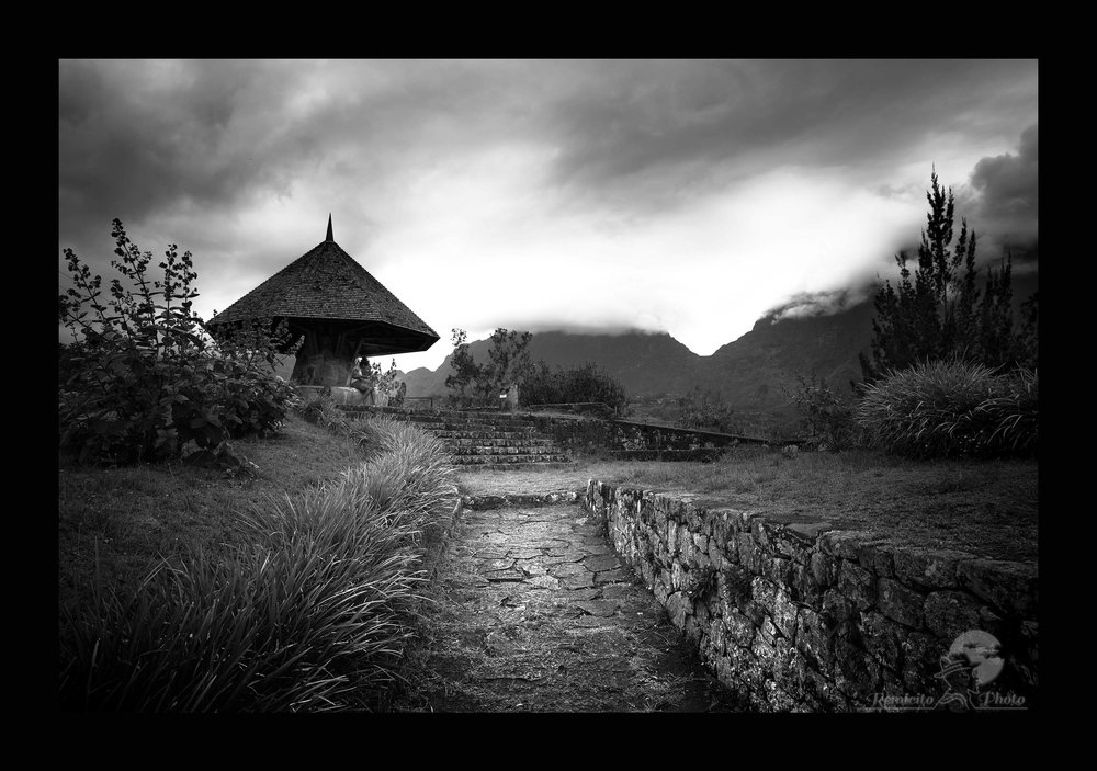 remicito photo, image du jour, photo du jour, photo of the day, black and white photography, photo Réunion, ile réunion, photo noir et blanc Réunion, cirque de Salazie, french photographer, best french photographer, meilleur photographe français, photographe français, photographe français noir et blanc, belle photo noir et blanc, photo paysage noir et blanc, fotografo francés