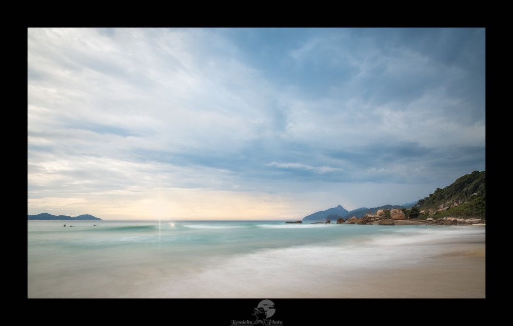 remicito photo, image du jour, photo du jour, photo of the day, beach photo, photographe français, photo sunset, coucher de soleil brésil, ilha grande, long exposure, photographe français, photo plage, photo mer, photo océan, belle photo, idée cadeau