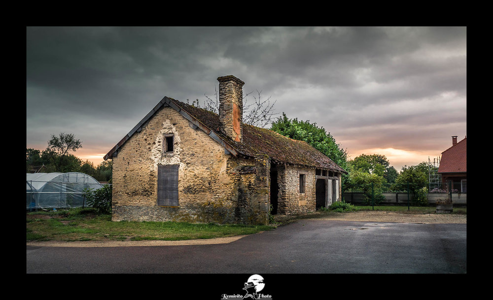 remicito photo, image du jour, photo du jour, photo of the day, road trip france, campagne française, photo campagne france, photo paysage france, vieille ruine france, belle photo, coucher de soleil campagne, sunset countryside, french photographer, idée cadeau