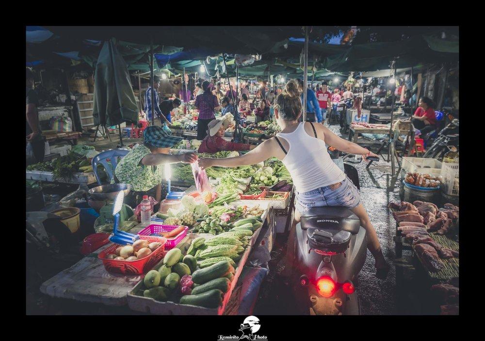 remicito photo, remicito, image du jour, photo du jour, photo of the day, marché phnom penh, marché de nuit photo, belle photo cambodge, french photographer