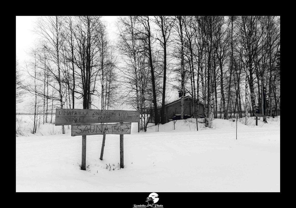 Remicito photo, remicito rémi lacombe photographe paris, belle photo sauna finlande, photo noir et blanc neige finlande, idée cadeau photo noir et blanc nature châlet forêt