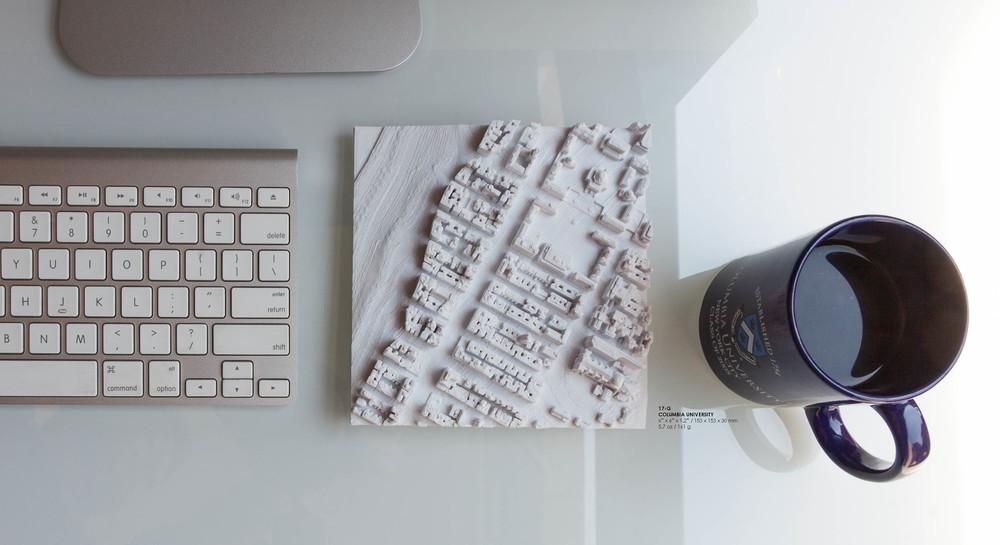 Slideshow_17-G Top Down With Coffee Mug And Mac_012.jpg