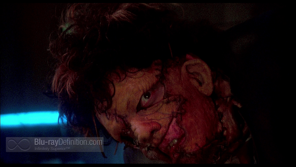Texas-Chainsaw-Massacre-2-UK-BD_12.png
