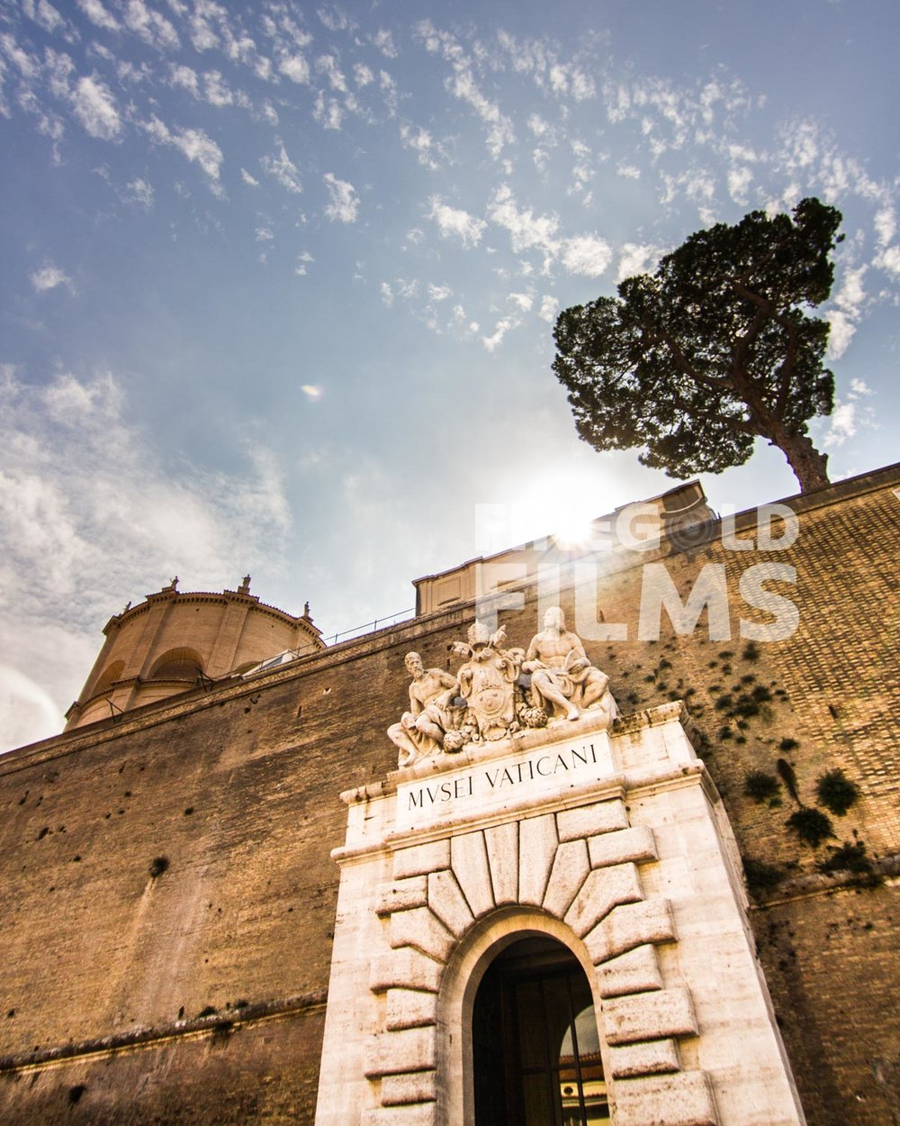 vatican-city-wall-entrance
