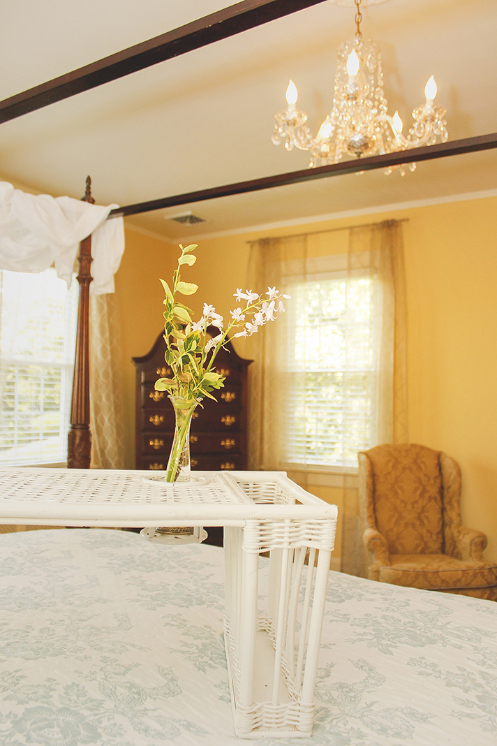 Photography Advertisement Shot for Hill Crest Bed and Breakfast