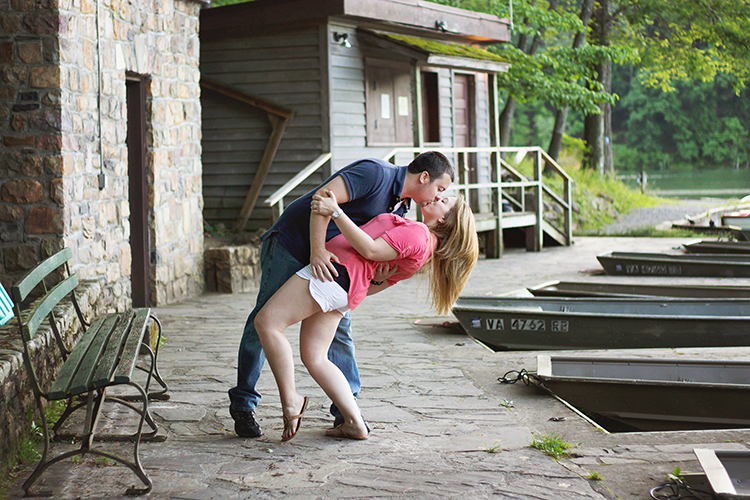 Couples-Engagement-Lakeside-Greenbrier-Photography