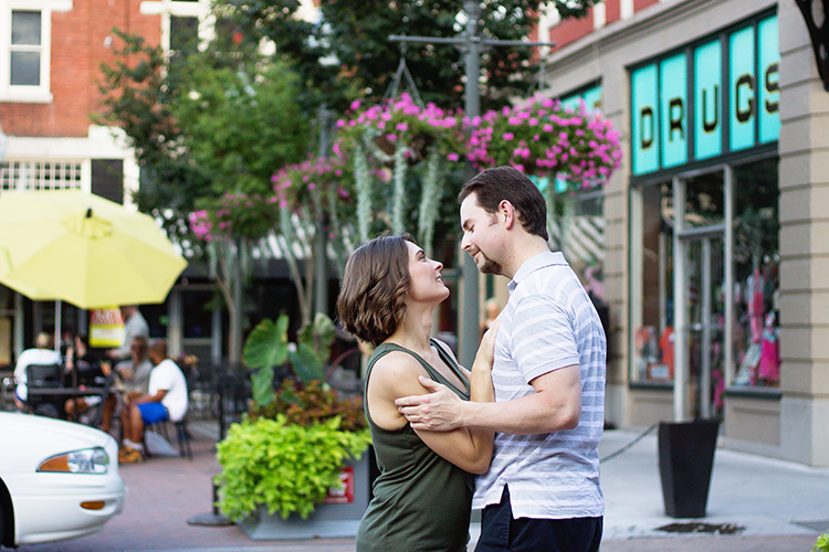 engagement-photography-downtown-roanoke-e-session