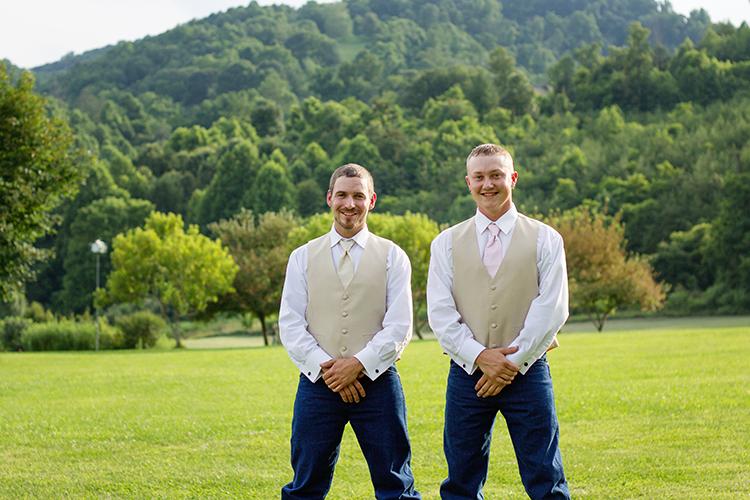 wedding-photography-groomsmen-rustic-mountains-venue