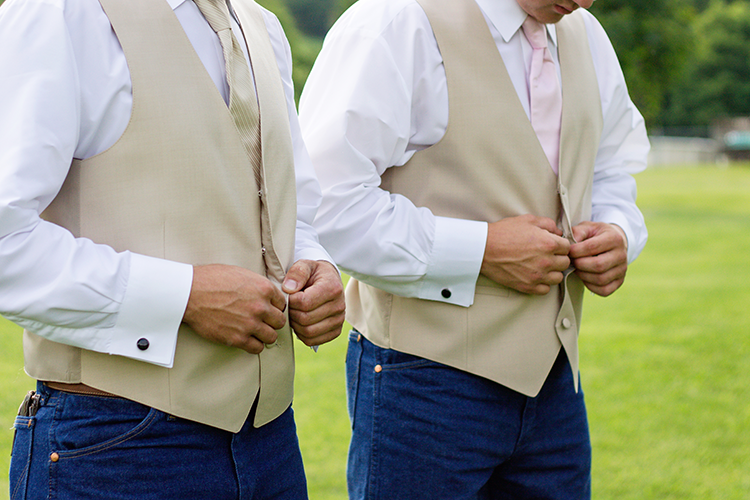 wedding-photographers-covington-getting-ready