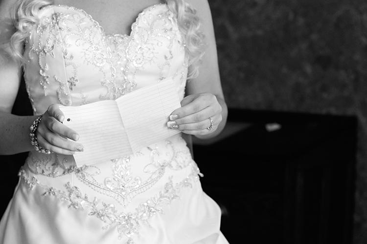 wedding-photographers-lexington-virginia-note-husband-details