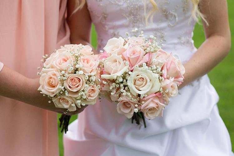 photographers-covington-virginia-wedding-bridal-bouquets-poses