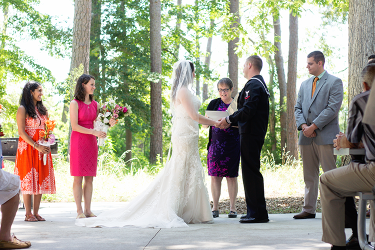 covington-virginia-wedding-photographers-exchanging-vows