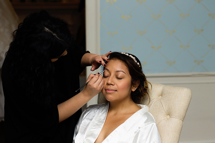 bella-rose-plantation-wedding-lynchburg-virginia-bride-getting-makeup-done