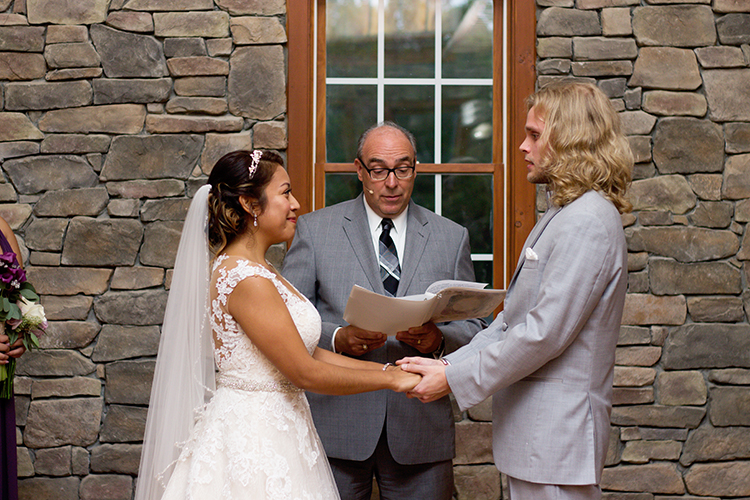 bella-rose-plantation-wedding-lynchburg-virginia-intimate-ceremony-exchanging-vows
