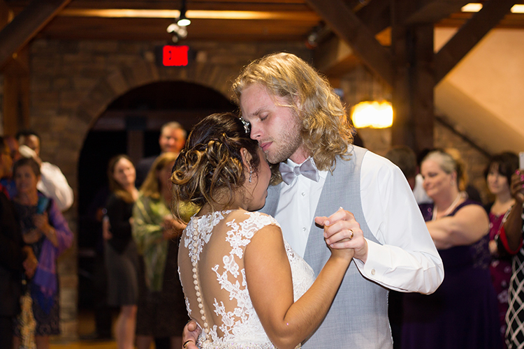 bella-rose-plantation-wedding-lynchburg-virginia-bride-groom-first-dance