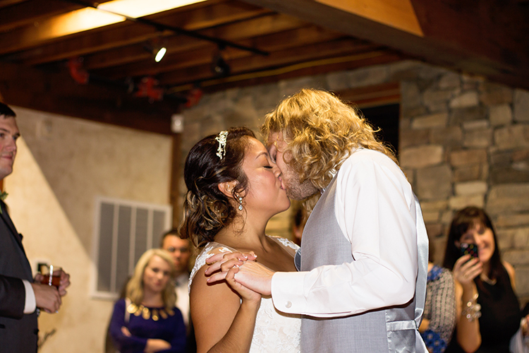 bella-rose-plantation-wedding-lynchburg-virginia-bride-groom-sharing-kiss-during-first-dance