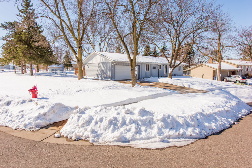 13774 Fordham Ave, Apple Valley, MN-4.jpg