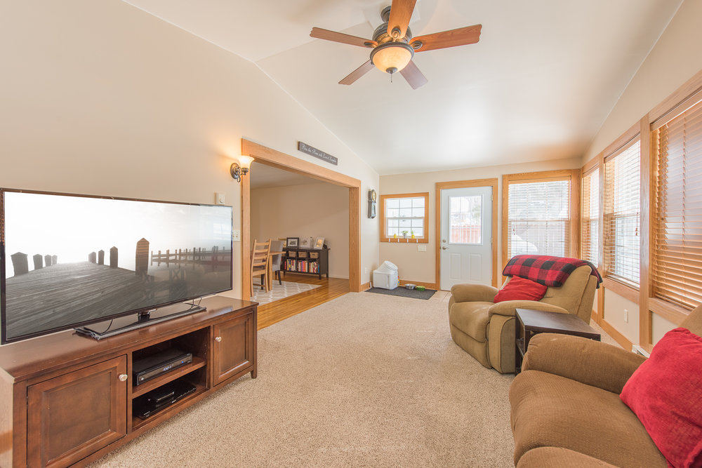 13774 Fordham Ave, Apple Valley, MN-11.jpg