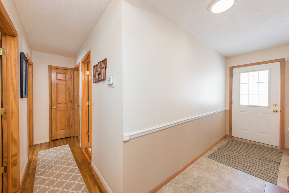 13774 Fordham Ave, Apple Valley, MN-12.jpg
