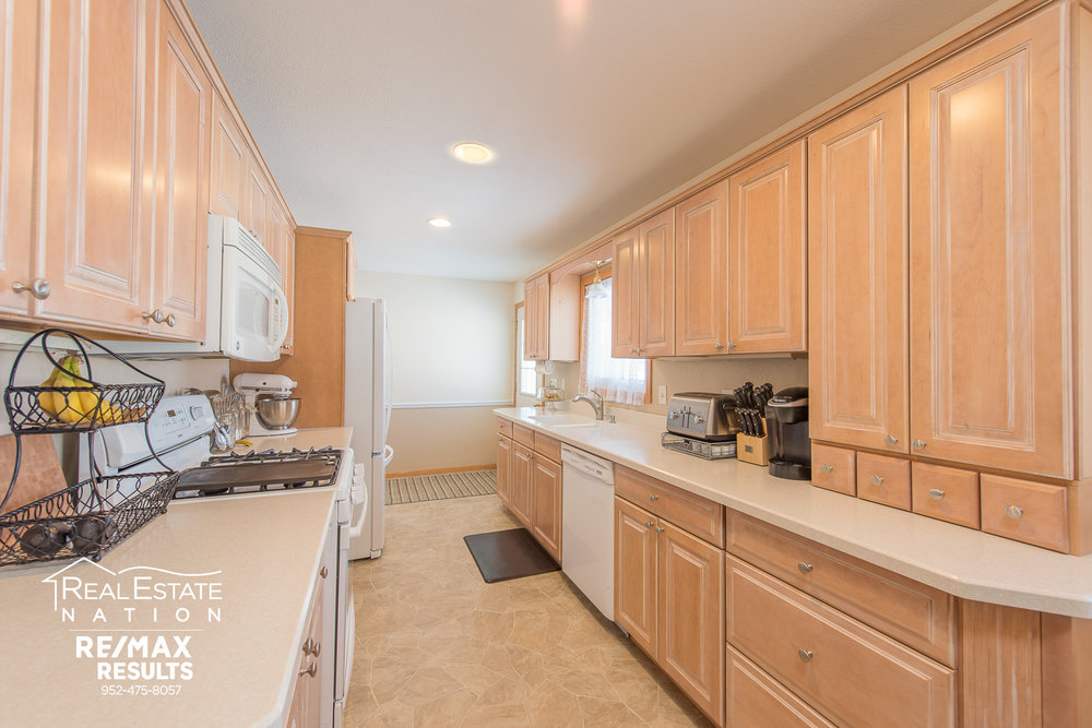 13774 Fordham Ave, Apple Valley, MN brand-7.jpg