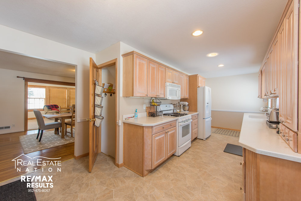 13774 Fordham Ave, Apple Valley, MN brand-8.jpg