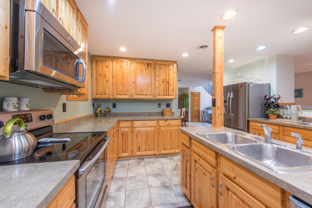 9960 26th Ave N, Plymouth MN-14.jpg