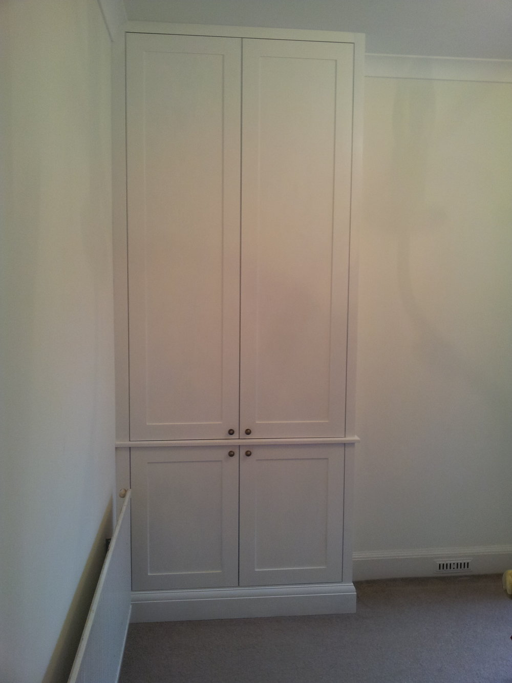 white fitted wardrobe bespoke.jpg