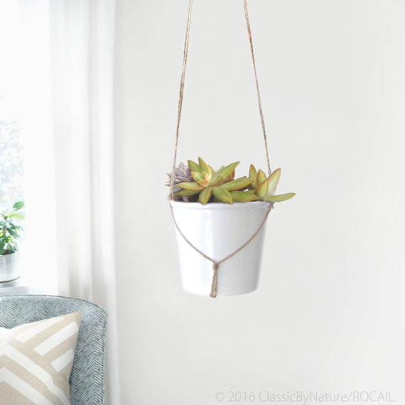 Modern and minimalist macrame plant hanger by RocailStudio