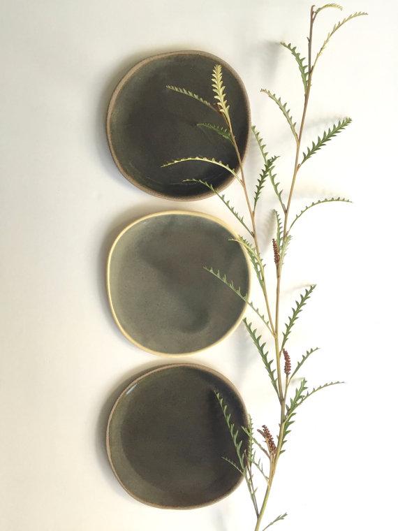 Stoneware Plates by Bininaor on Objectifeyed