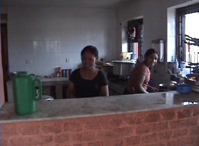 hostel kitchen.JPEG