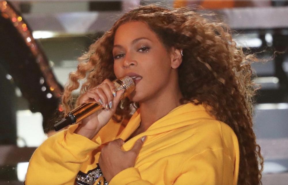 Beyoncé wearing Houdini + Dirty Penny