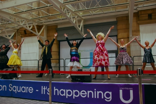 Phoenix Theatre's Hairspray dancers open Aberdeen's Union Square