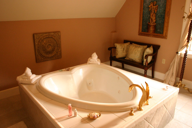 Best Seattle-Tacoma Honeymoon Spot at our Romantic Bed and ...