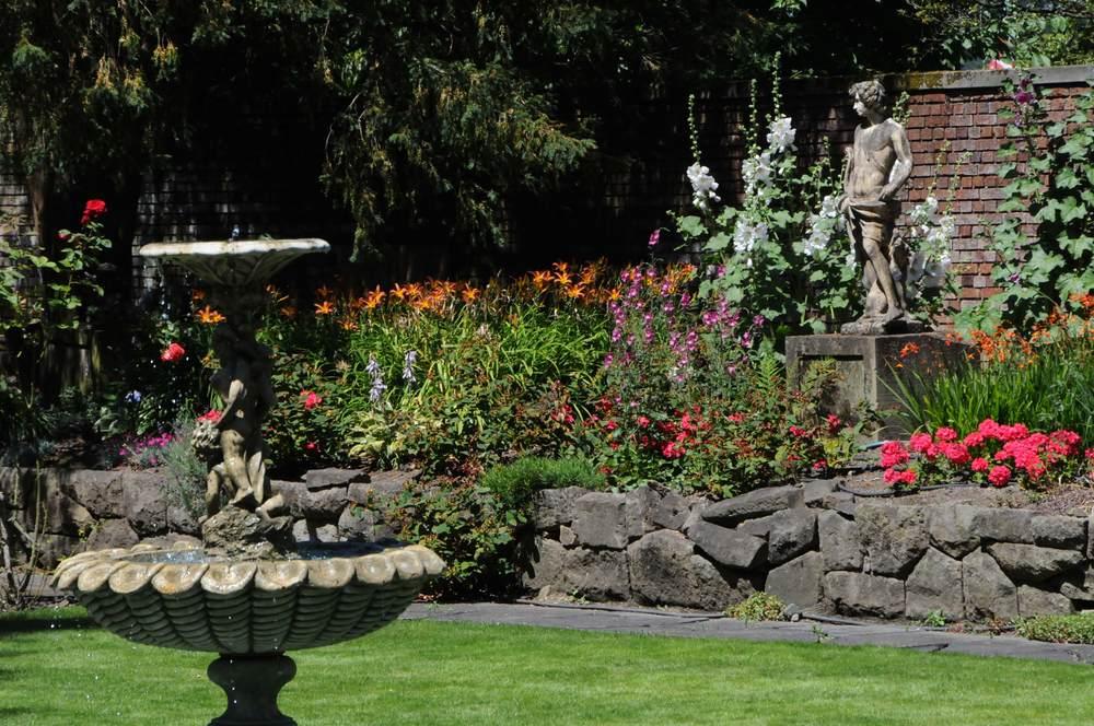 Sunken English Garden2.jpg