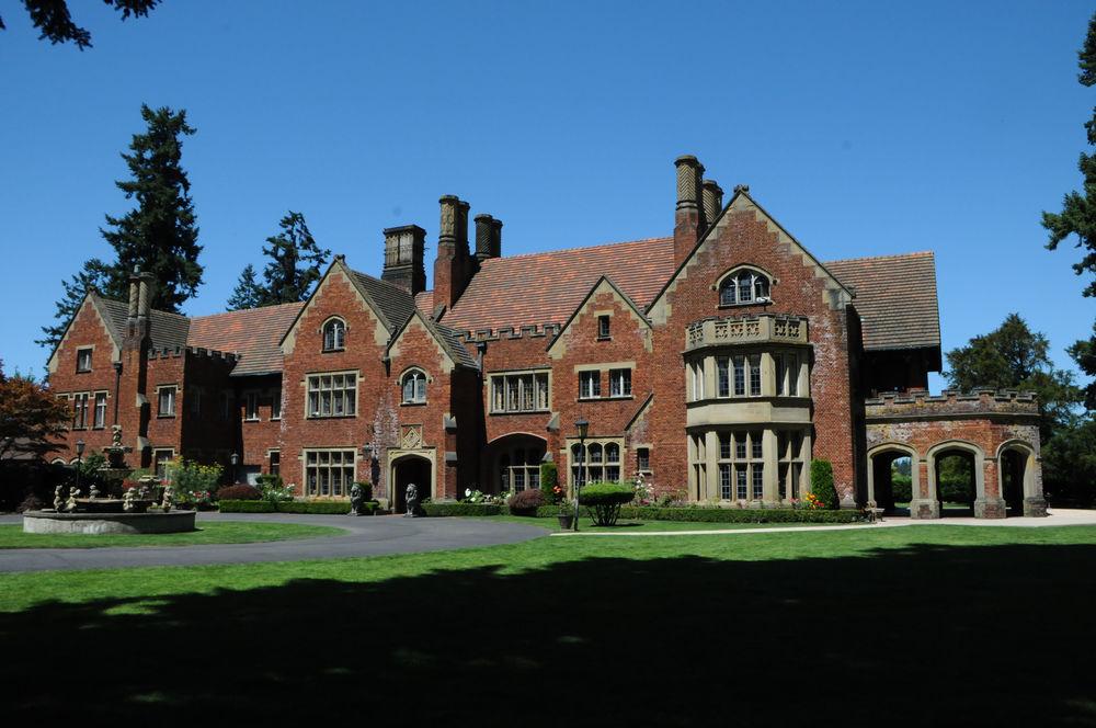 Thornewood Castle Architech Kirkland Cutter.jpg