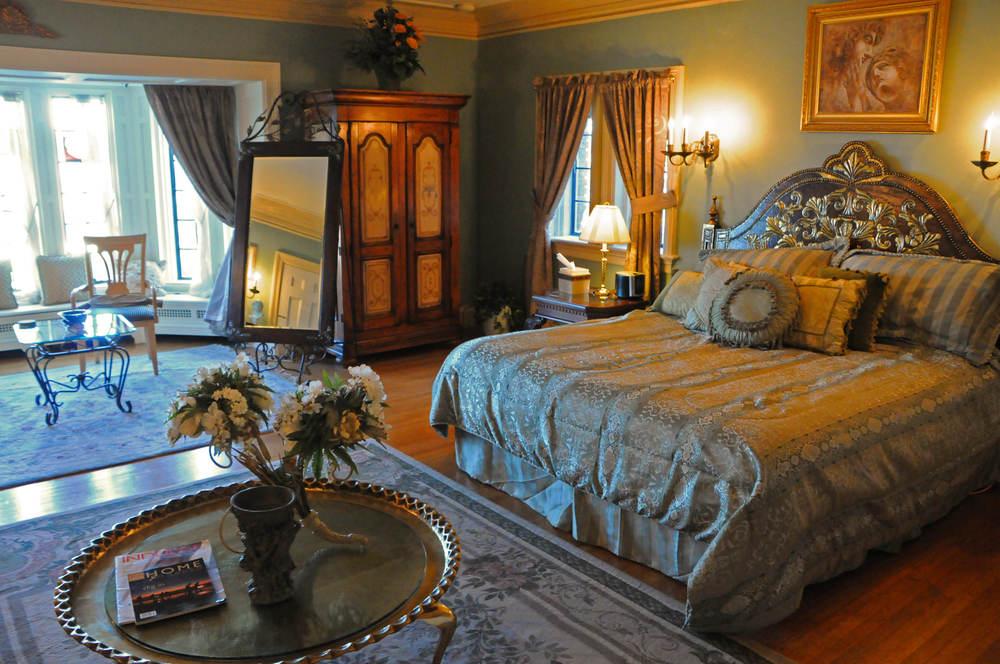 Grandview Bed.jpg