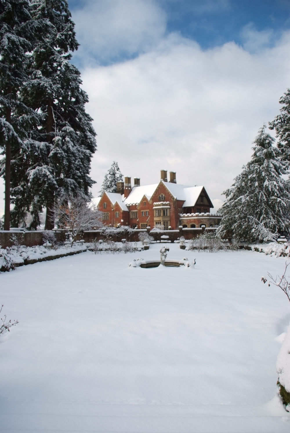 OLMSTED DESIGNED GARDEN ON A NW SNOW DAY.jpg