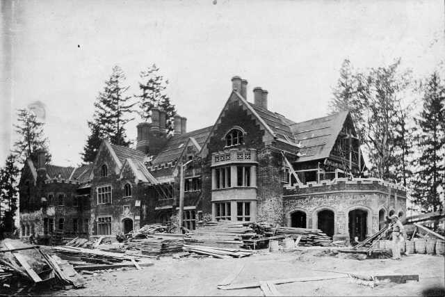 Thornewood Castle Being Built