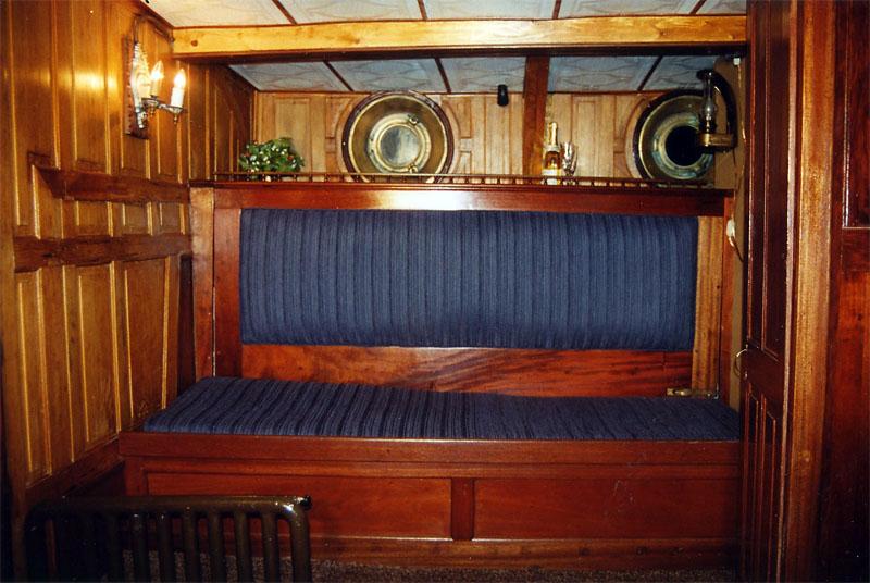 f_yacht2.jpg
