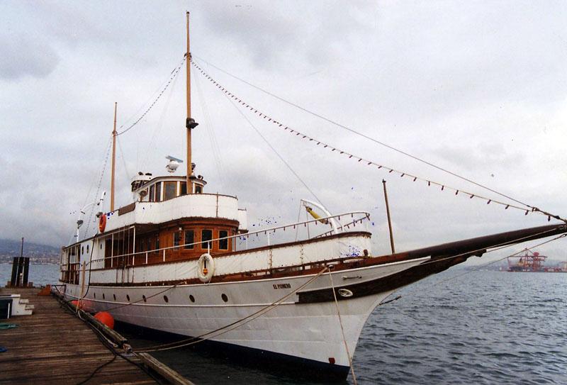 f_yacht4.jpg